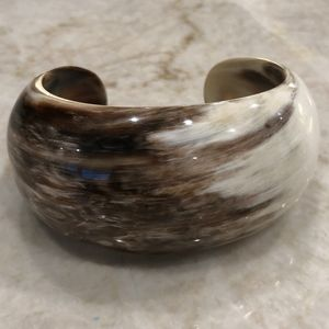 Jewelry - Dark brown and white horn cuff bracelet